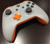 CommodoreServer Themed Xbox One Controller